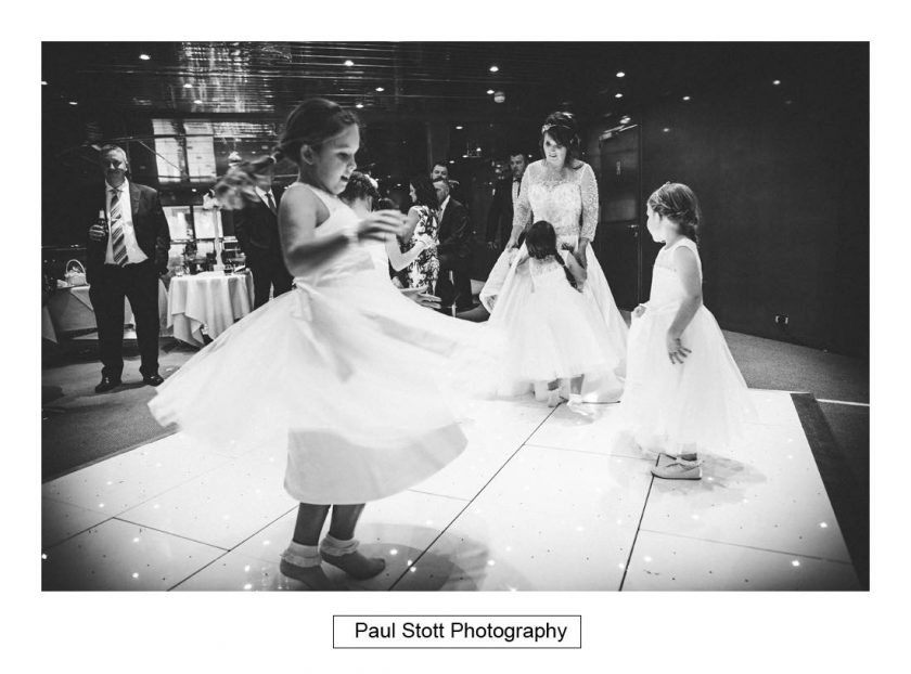 wedding_dancing_001