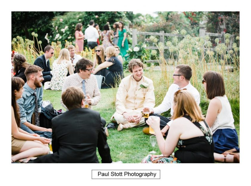 wedding_guests_008