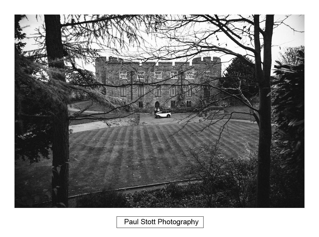 wedding photography shrewsbury castle 004 - Wedding Photography Shrewsbury Castle - Aprille and Steven