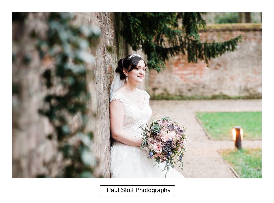 wedding photography turtle gardens wotton house 004 - Wedding Photography Wotton House - Laura and Tim
