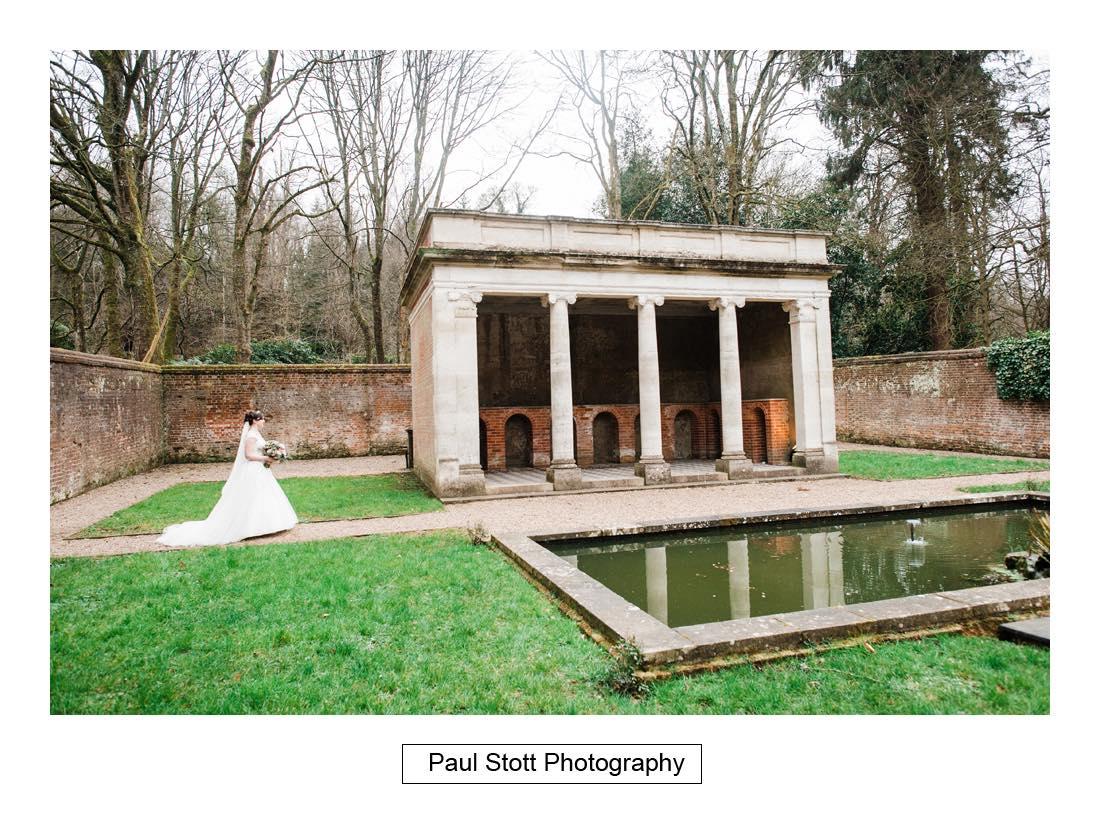 wedding photography turtle gardens wotton house 005 - Wedding Photography Wotton House - Laura and Tim