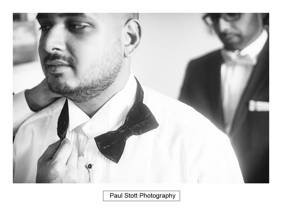 groom wedding preparation 006 - Wedding Photography Plaisterers Hall - Alvin and Zara