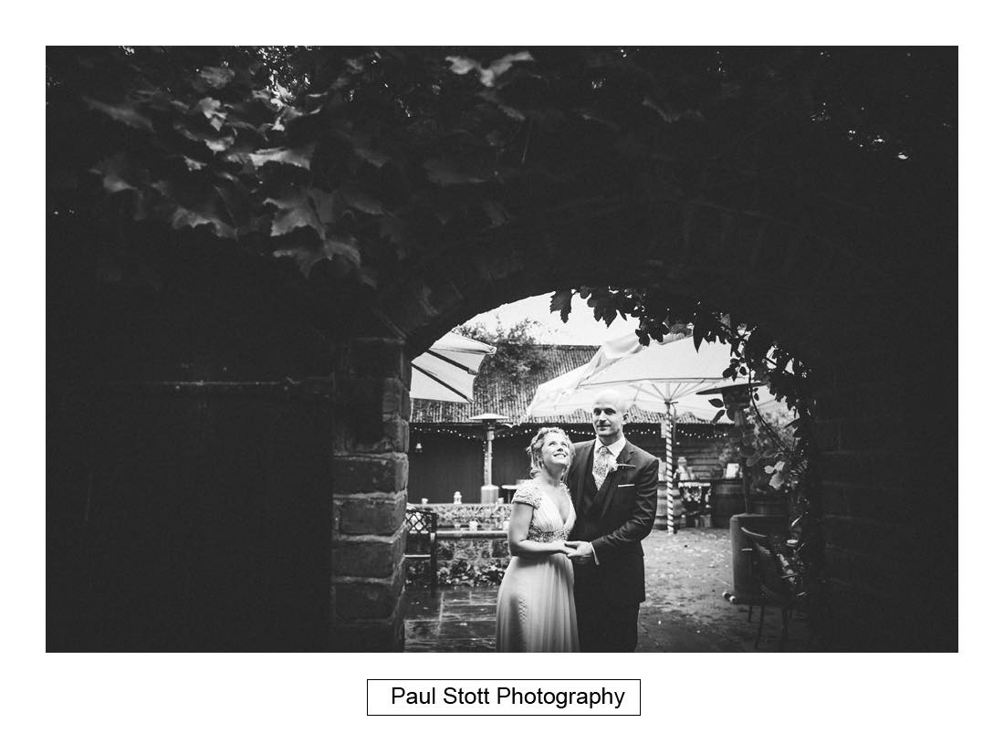 surrey wedding photographer bartholomew barn 003 - Wedding Photography Bartholomew Barn