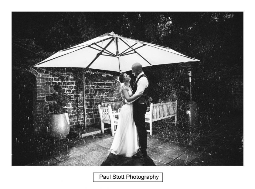 surrey_wedding_photographer_bartholomew_barn_004