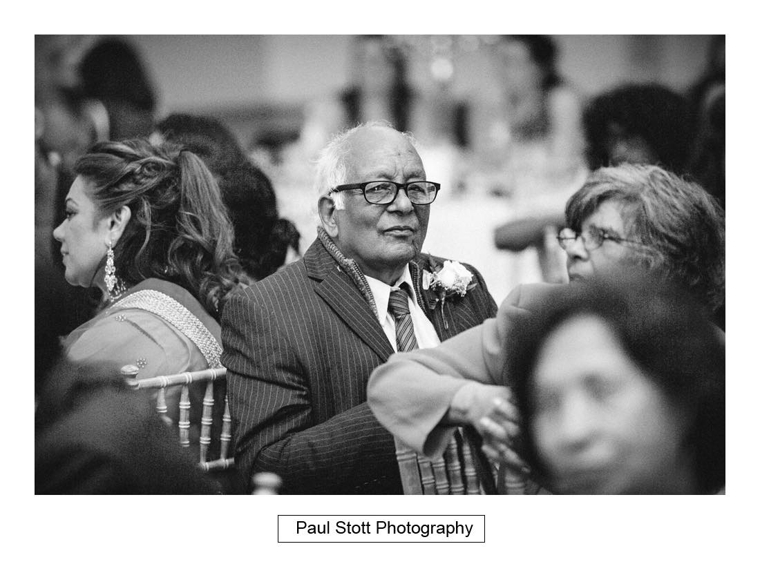 wedding guests 010 - Wedding Photography Plaisterers Hall - Alvin and Zara