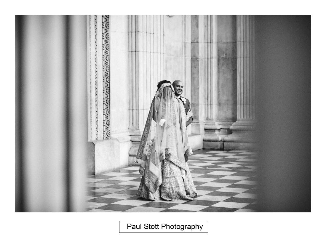 wedding photography st pauls london001 - Wedding Photography Plaisterers Hall - Alvin and Zara