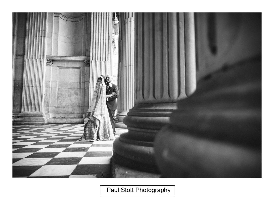 wedding photography st pauls london002 - Wedding Photography Plaisterers Hall - Alvin and Zara