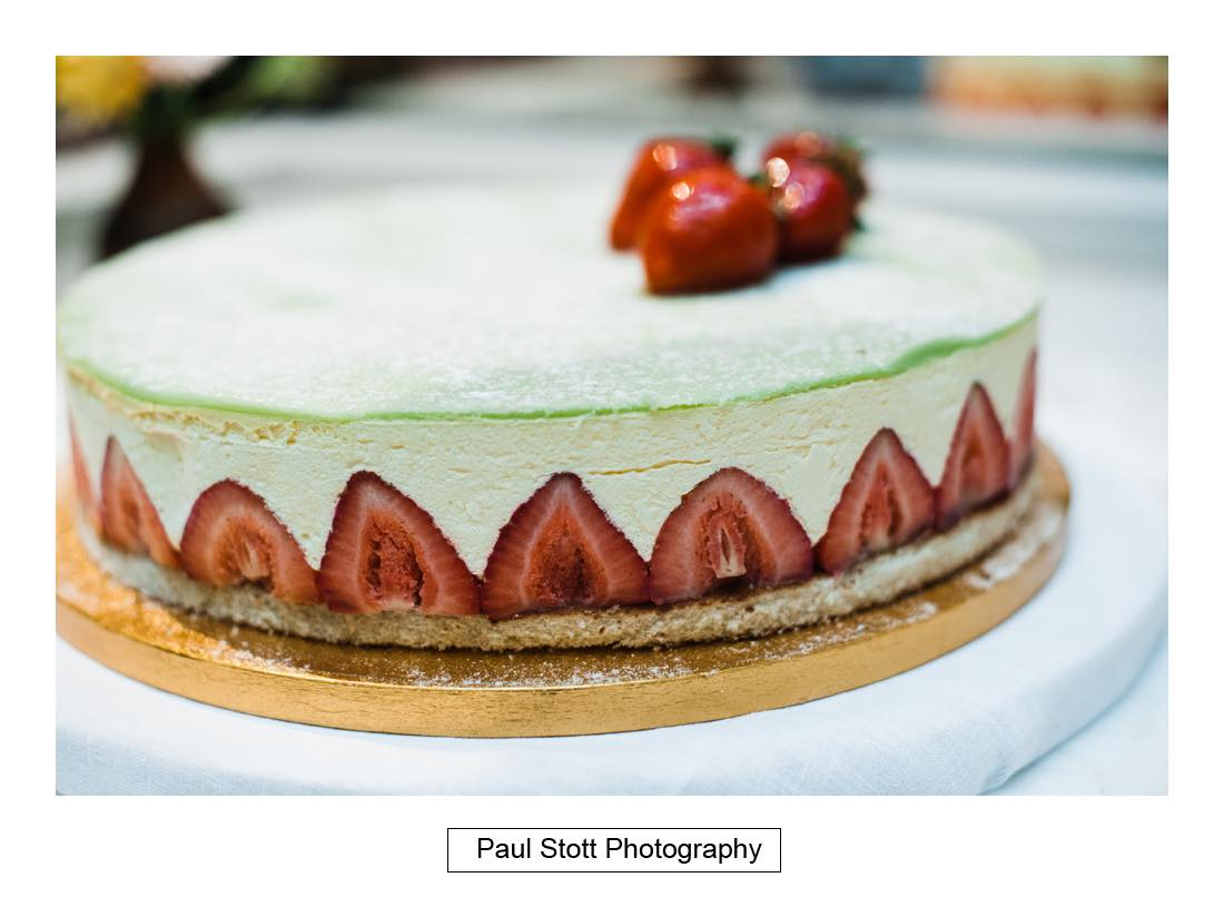 wedding cake - Wedding Photography Somerset House - Christina and Colin