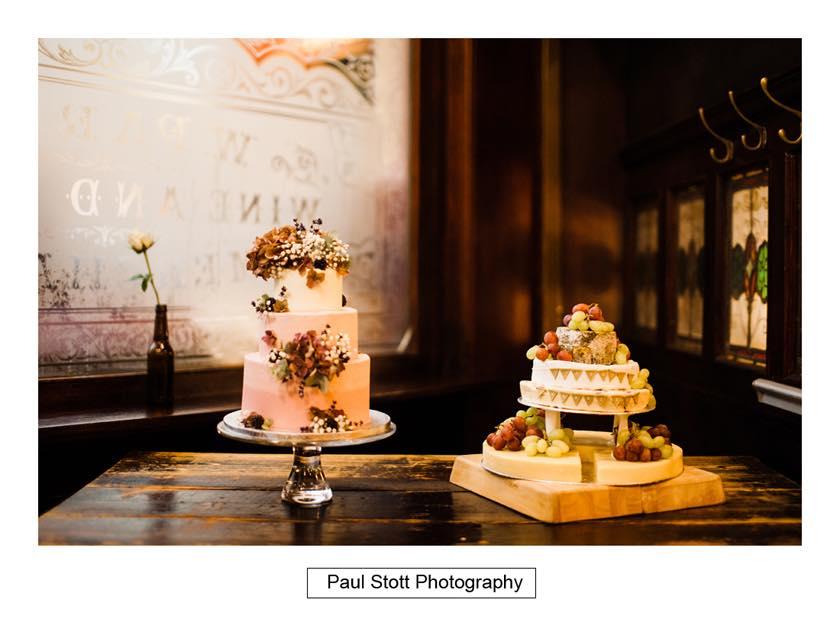 wedding cake - Leadenhall Market  Wedding Photography - Ben and Elle