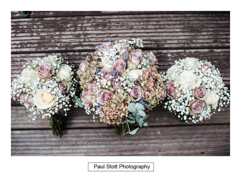wedding flowers - Leadenhall Market  Wedding Photography - Ben and Elle