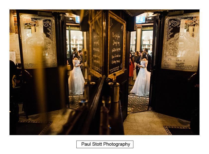 wedding lamb tavern leadenhall 015 - Leadenhall Market  Wedding Photography - Ben and Elle