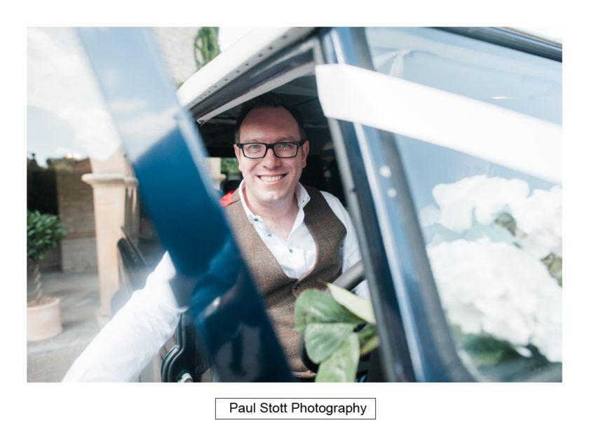 grrom arriving car 001 - Quat'Saisons Wedding Photography - Angela and Paul