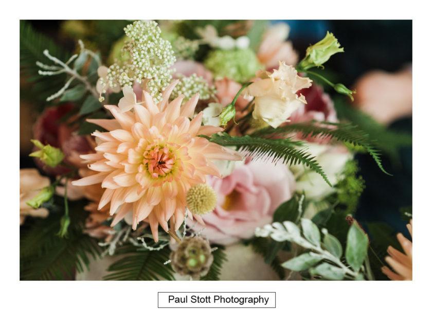 wedding flowers 002 - Quat'Saisons Wedding Photography - Angela and Paul
