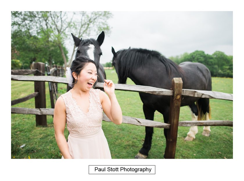 bridemaid horse taylors farm retreat - Wedding Photography Taylors Farm - Sylvie and Paul