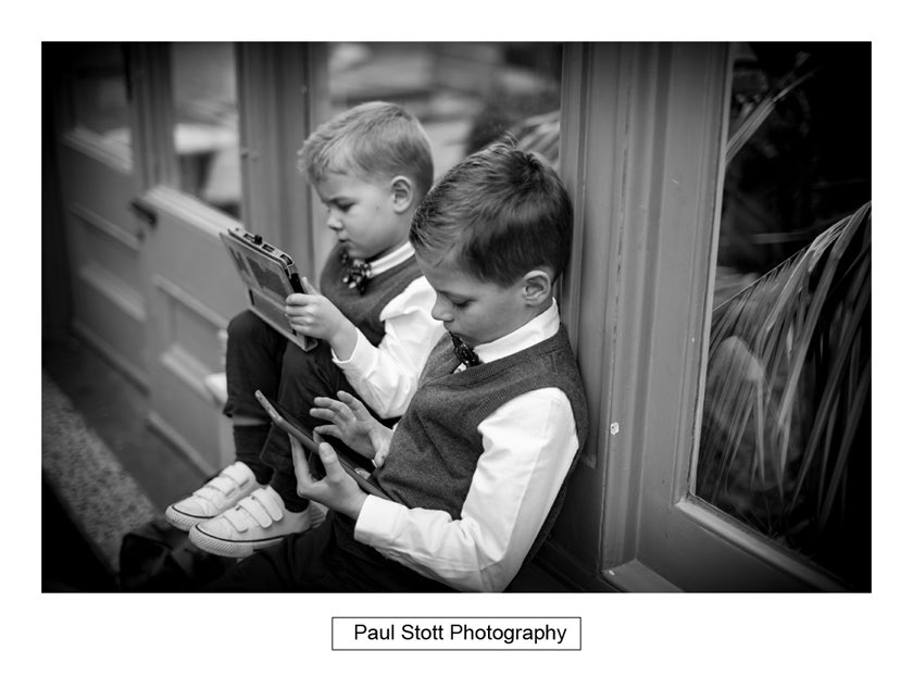 wedding guests 001 - Hampton Court House Wedding Photography - Phil and Vittoria