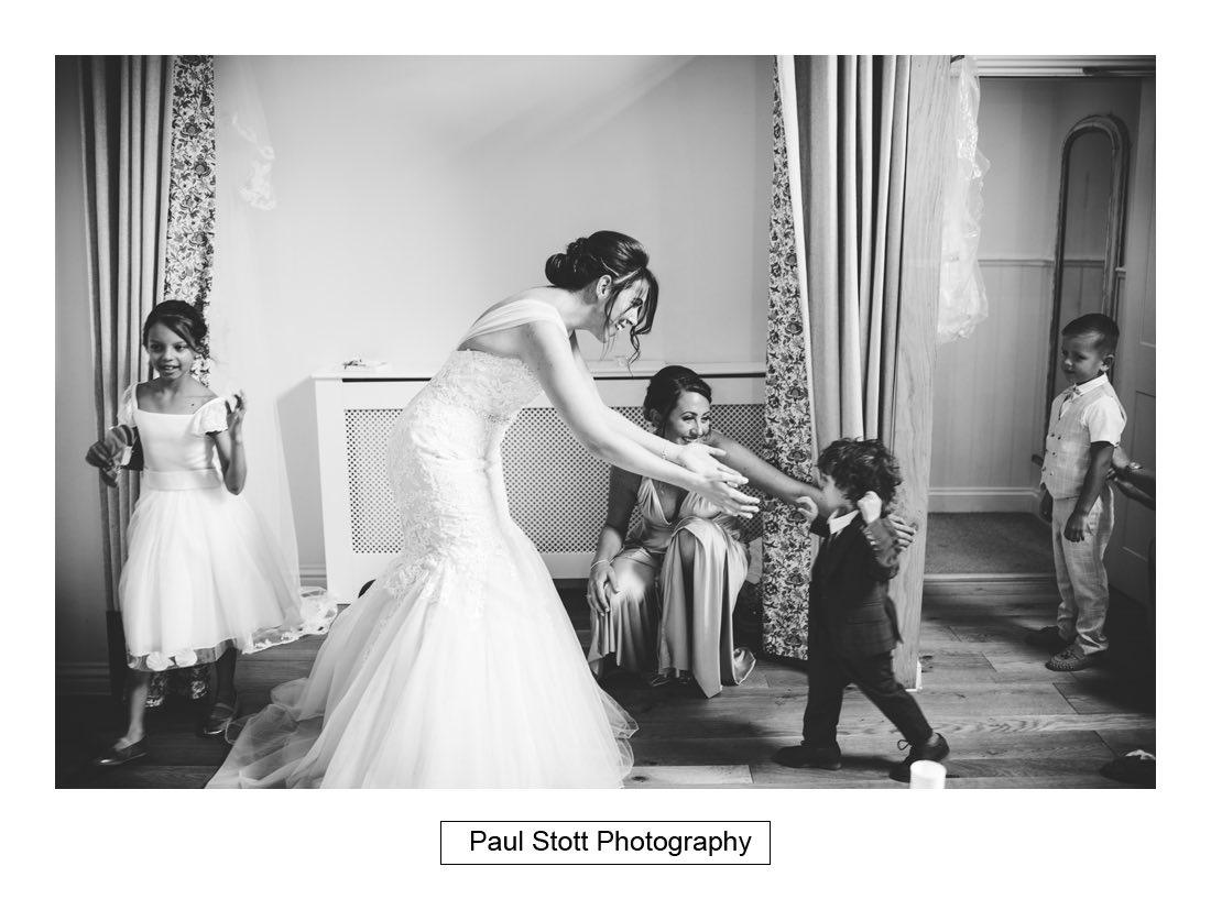 256 millbridge court wedding preparation 019 - Wedding Photography Millbridge Court - Lucy and Reece